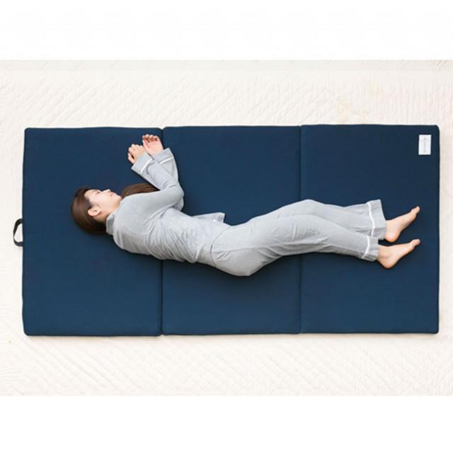 横になるだけで疲れが取れる、最新の整体理論に基づいたマットレス